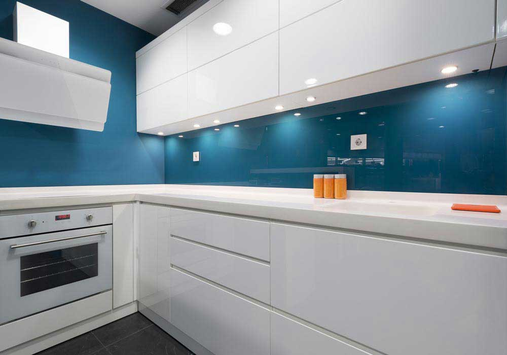 white-glossy-cabinets