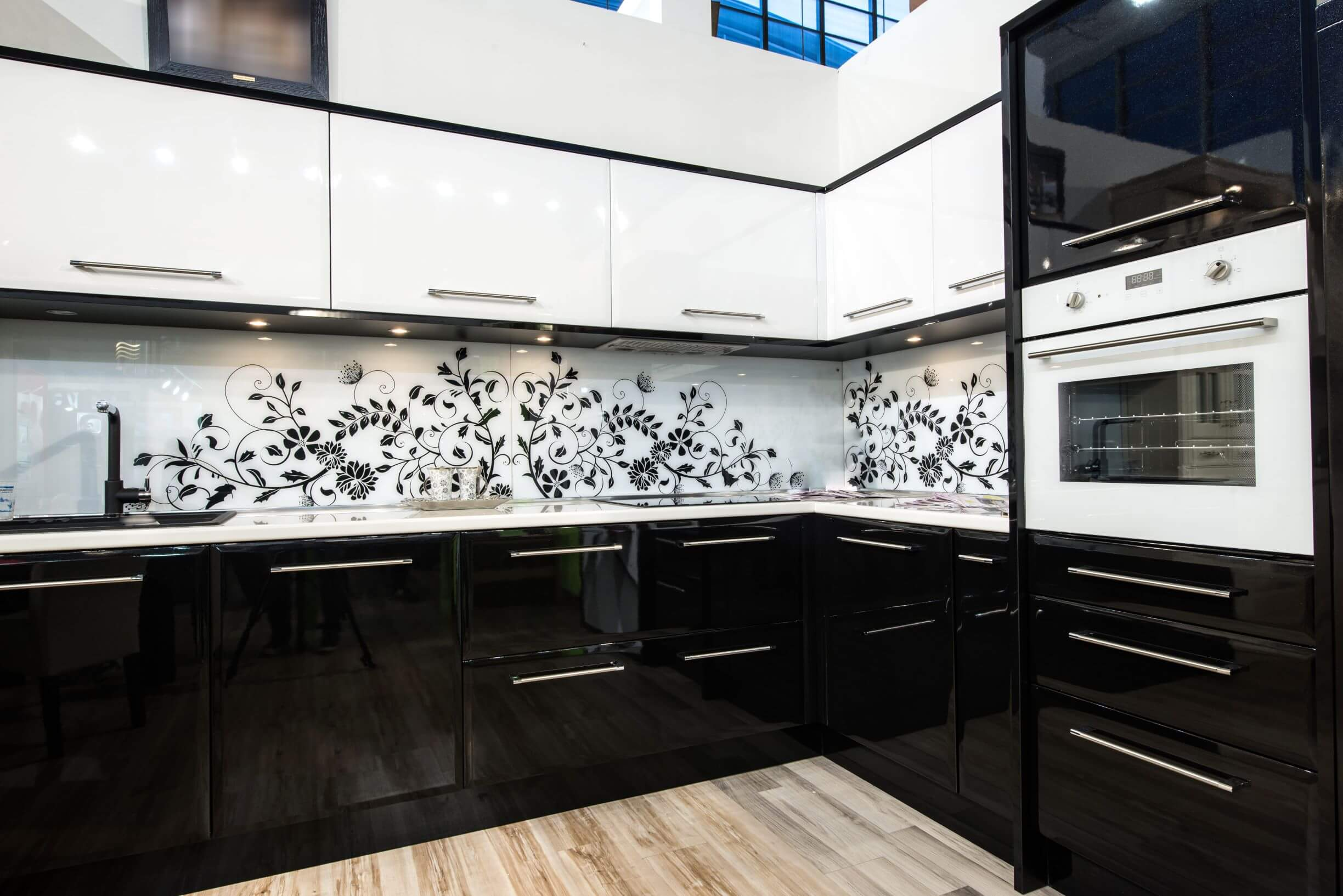 two tone glossy cabinets
